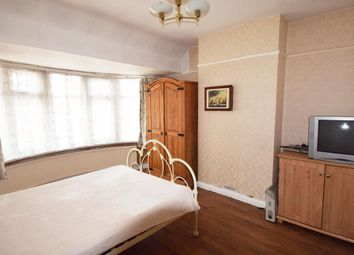 Thumbnail Room to rent in Hicks Avenue, Greenford