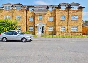 Thumbnail 2 bed flat for sale in Rutland Avenue, Slough