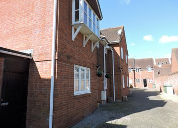 Thumbnail 2 bed flat to rent in High Street, Fareham