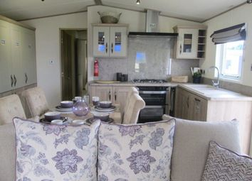 Thumbnail 2 bedroom mobile/park home for sale in Shorefield Road, Ringwood
