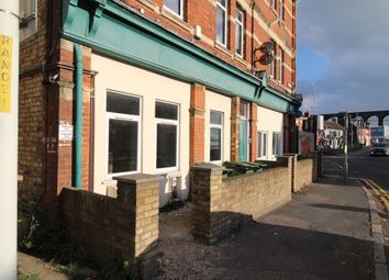 Thumbnail 1 bed flat to rent in Radnor Park Road, Folkestone