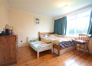 2 bed flat for sale in Tetbury Court, Reading, Berkshire RG1
