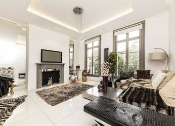 Thumbnail 3 bed flat for sale in Gunter Grove, London