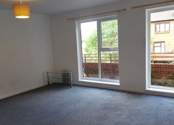 Thumbnail 2 bed flat to rent in Hilltop Court, Downs Road, Luton