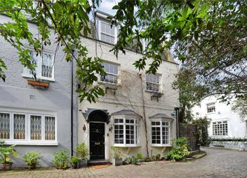 Thumbnail 2 bedroom mews house for sale in Albion Mews, Hyde Park