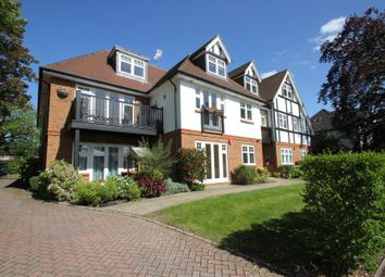Thumbnail 1 bedroom flat to rent in West Hill Road, Hook Heath, Woking