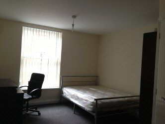 Thumbnail 5 bed flat to rent in Far Gosford Street, Coventry