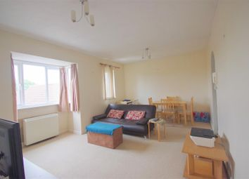 2 bed flat to rent in Fallow Rise, Hertford SG13