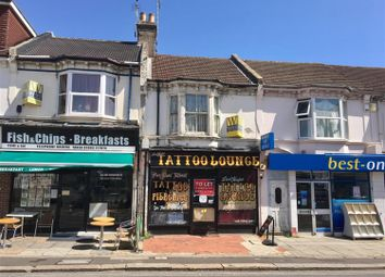 Thumbnail 2 bed flat to rent in South Farm Road, Worthing, West Sussex