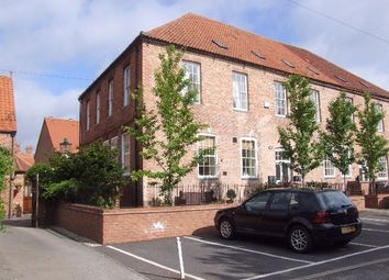 Thumbnail 2 bed town house to rent in Guildhall Street, Newark