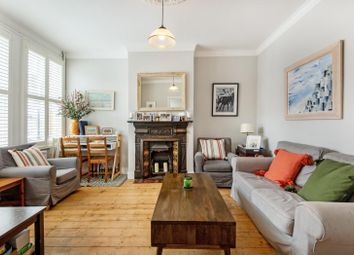 2 bed flat for sale in Iveley Road, London SW4