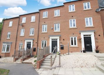 3 Bedrooms Town house for sale in Kitson Road, Whitwood, Castleford WF10
