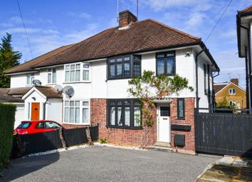 3 bed property for sale in Selborne Gardens, Hendon, London NW4
