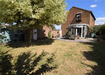 Thumbnail 4 bed detached house for sale in Helwys Place, Kidlington