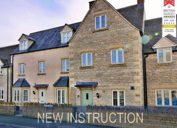 3 bed terraced house to rent in Moss Way, Cirencester GL7