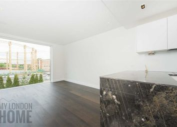 Thumbnail 1 bed flat for sale in Lockside House, Fulham, London