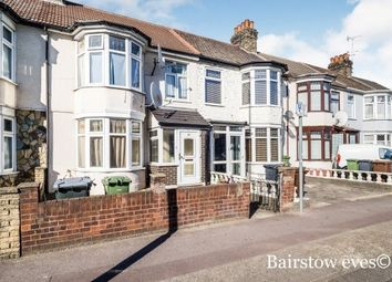 3 bed property to rent in Movers Lane, Barking IG11