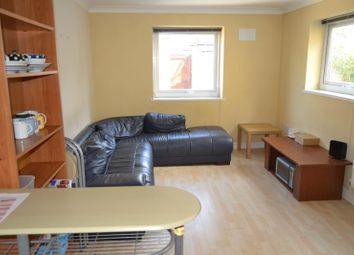 Thumbnail 4 bed flat to rent in Ruthin Gardens, Cathays Cardiff