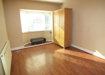 2 bed flat to rent in Lyndon Road, Solihull B92