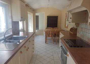 Thumbnail 3 bed property to rent in Greenhill Close, Wimborne
