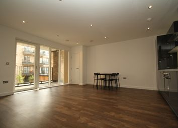 3 bed flat to rent in Alameda Place, London E3