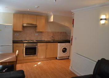 Thumbnail 3 bed flat to rent in Woodville Road, Cathays Cardiff