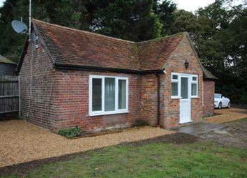 Thumbnail 1 bedroom bungalow to rent in Rossway, Berkhamsted