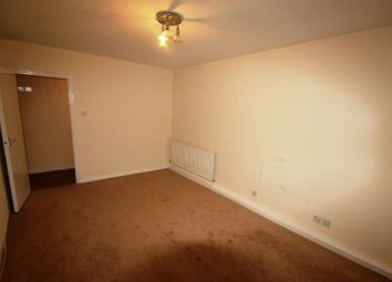 Thumbnail 2 bed flat to rent in Hall Street, Old Street