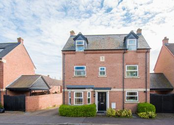 Thumbnail 4 bed town house for sale in Southland Drive, Bletchley, Milton Keynes