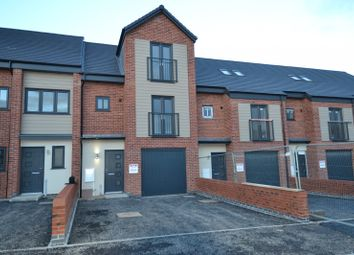 Thumbnail 3 bed town house to rent in Great Central Road, Loughborough