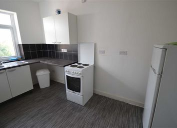 Thumbnail 2 bed flat to rent in Cross Lane, Manchester