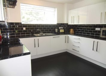 Thumbnail 2 bedroom flat to rent in Forester Avenue, Bath