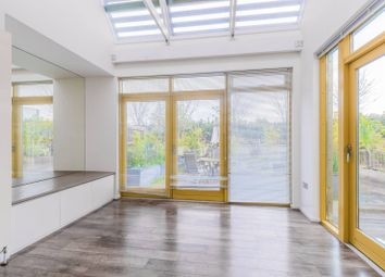 3 bed terraced house to rent in Moseley Row, Greenwich Millennium Village, London SE100Qs SE10