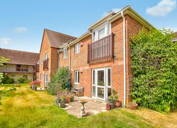 Adams Way, Alton GU34. 2 bed detached house