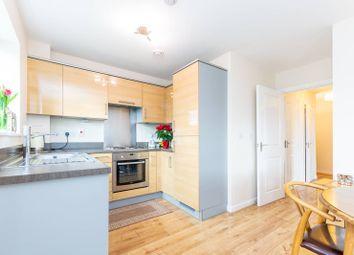 2 bed flat to rent in Schoolgate Drive, Morden SM4