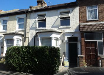 Thumbnail 1 bed flat to rent in Russell Road, Bounds Green, London