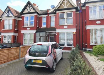 2 bed maisonette to rent in Bowes Road, London N11