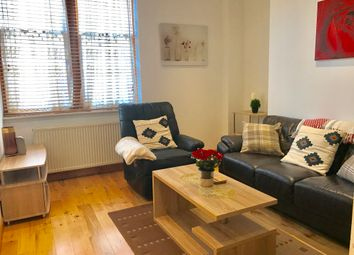 2 bed flat to rent in Broomhill Road, Aberdeen AB10