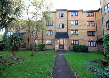 Thumbnail 1 bed flat for sale in Crest Avenue, Grays