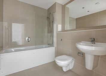 2 bed flat to rent in Royal Winchester House, Bracknell RG12