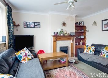 3 bed property to rent in Sunnyhurst Close, Sutton SM1