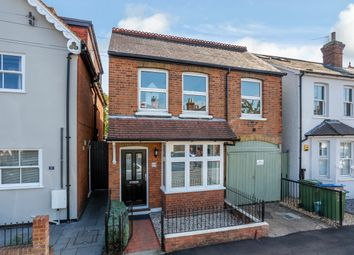 Elmgrove Road, Weybridge KT13. 3 bed detached house