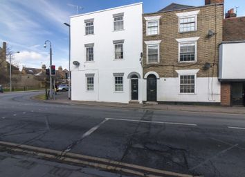 Thumbnail 2 bed flat to rent in East Street, Faversham