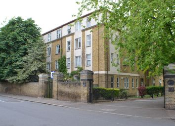 Thumbnail 1 bed flat to rent in Chiltern Court Avonley Road, London
