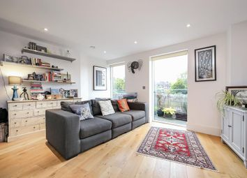 Manor Place, London SE17. 2 bed flat for sale          Just added