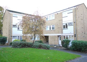 Thumbnail 2 bed flat to rent in Deepdale, Bracknell