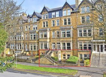 Cecil Court, Valley Drive, Harrogate HG2. 2 bed flat for sale