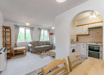 Thumbnail 1 bed flat to rent in Barnfield Close, Earlsfield