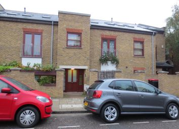 Thumbnail 2 bed flat to rent in Chelmer Road, London