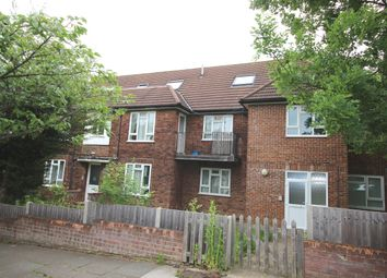 Thumbnail 2 bed flat to rent in Edgeworth Close, Hendon